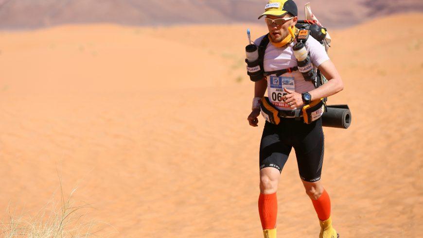 Un român va alerga peste 2.000 de km în deșert