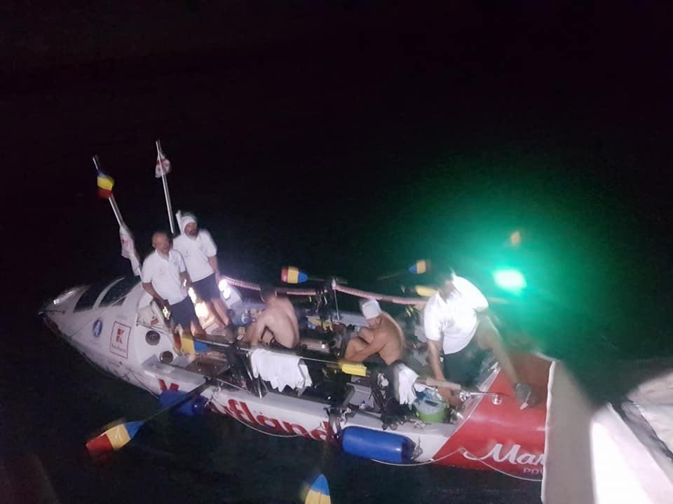 Toate vâslele sus!  Nou record de traversare a Mării Negre stabilit de un echipaj de 5 români.