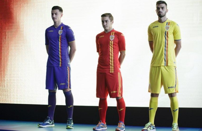 Naționala de fotbal a României, în haine de Sărbătoare