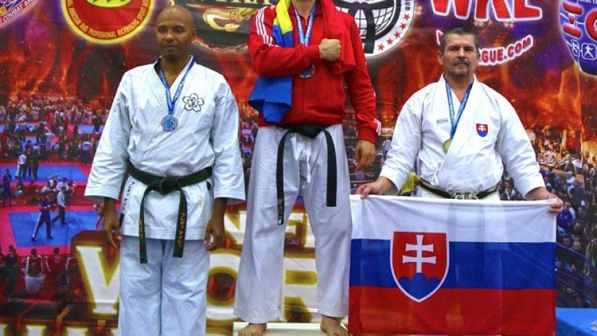 România câștigă titlul mondial la arte marțiale. Vasile Lupașc obține cel de al zecelea titlu mondial din carieră.