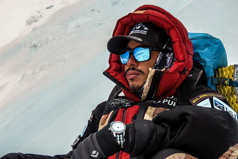 "Nirmal ""Nims"" Purja stabilește un nou record mondial, urcând 11 optimiari în doar 4 luni"